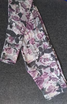 Tally Weijl szürke-lila rózsamintás leggings 32-es